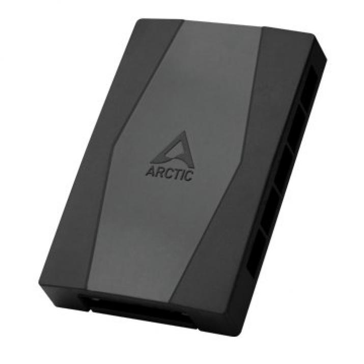 Arctic Case Fan Hub - 10 port PWM with SATA Power 1
